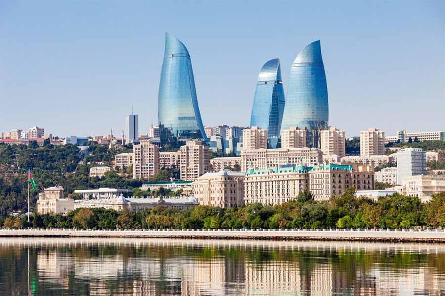 SkyUp Львов Баку